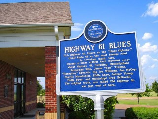 Highway 61 Blues marker