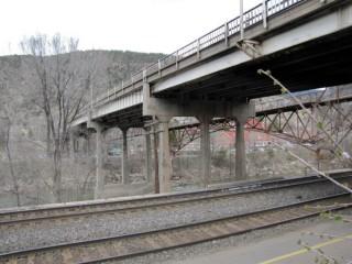 photo of bridge in Glenwood Springs
