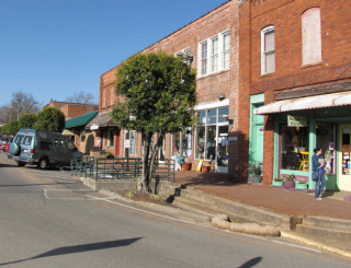 Hillsboro Street in downtown Pittsboro. Photo by Gerry Dincher, Flickr Creative Commons license.
